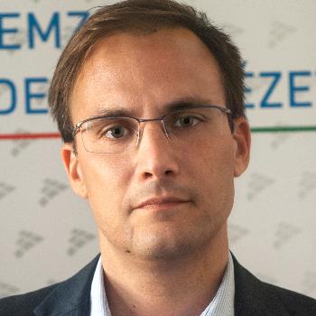 Dr. Balázs Bencsik