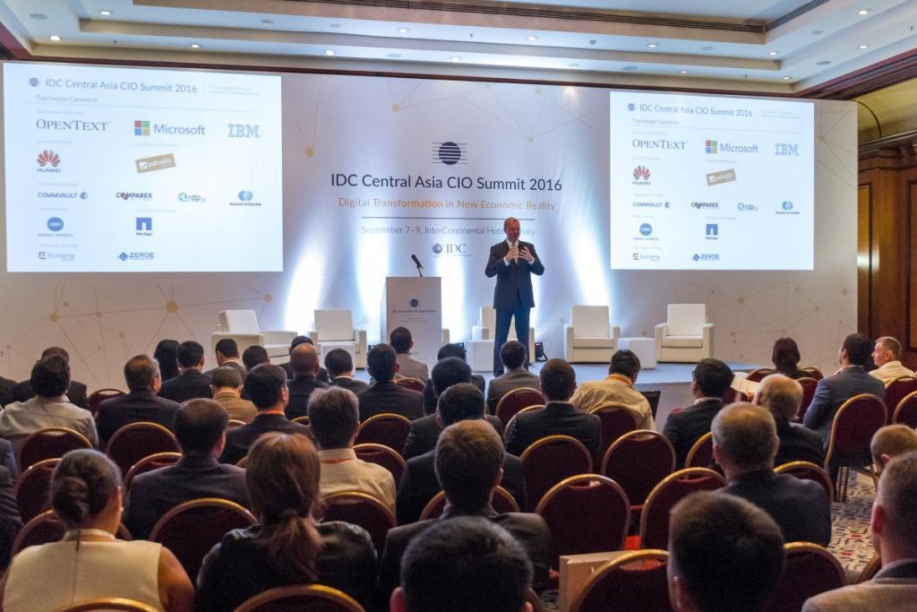 IDC_CIO_Summit_007.JPG