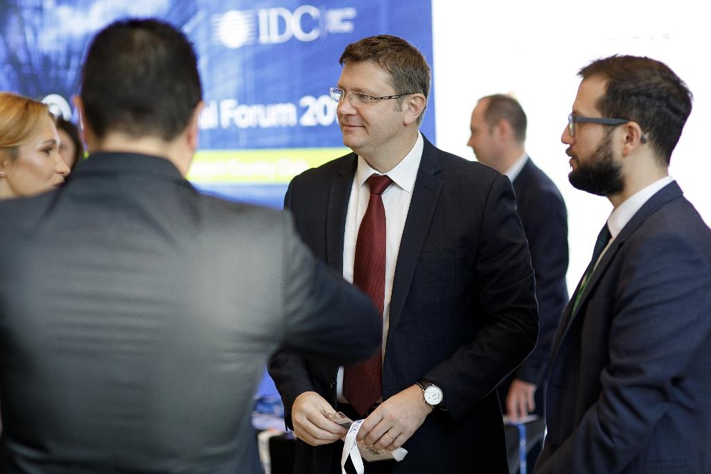 IDC-financial-0071.jpg