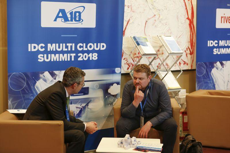 IDC_Multi_Cloud_2018_day1_18_19.jpg