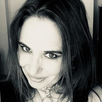 Ione Leila