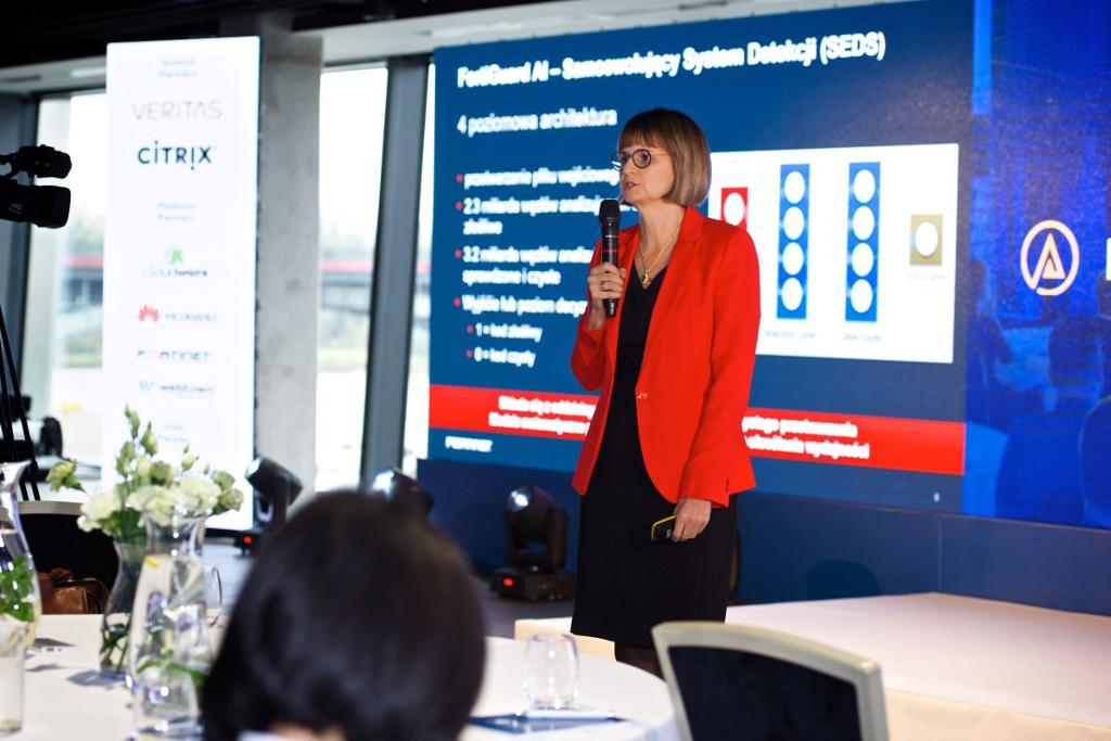 IDC_CIO_Summit_2018_photo_Kasia_Saks_SAX_3011.jpg