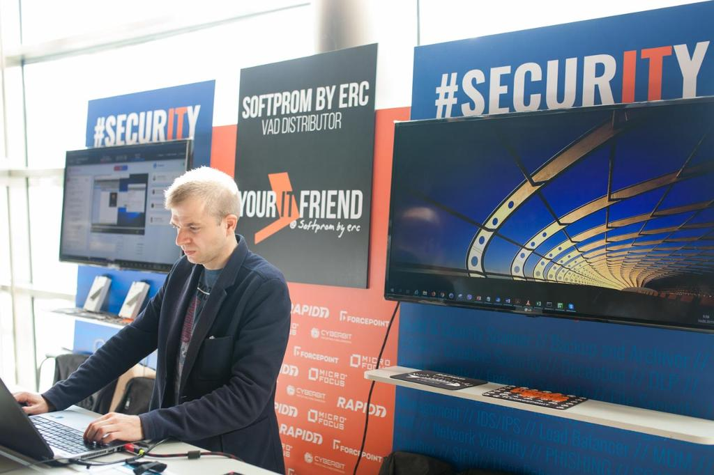 IDC_Security_Roadshow_2019__10_.jpg